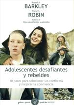 Adolescentes desafiantes rebeldes