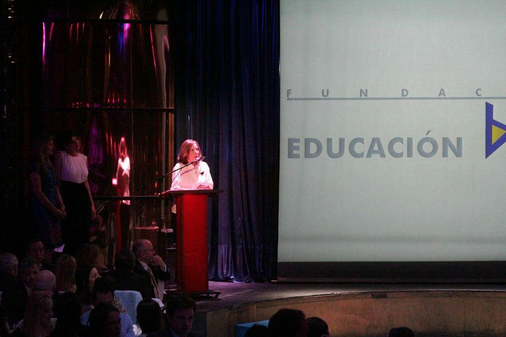 La Fundación Educación Activa ha recibido el Premio Compromiso a la Investigación y Labor Médica de la Fundación RECAL – Reinserción Social